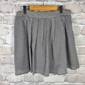 Old Navy Mini Skirt Pleated Small Blk White Check